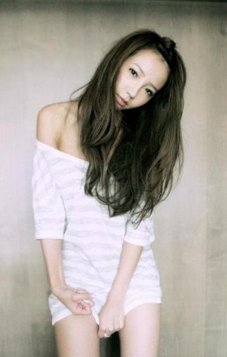 太子妃-Linda廖语晴(MP3歌词/LRC歌词) lrc歌词下载 第2张
