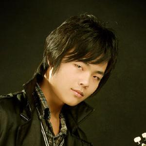 恋泪-王俊宇(MP3歌词/LRC歌词) lrc歌词下载 第2张